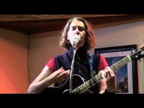 "Pt 1/7 Laura sings ""Rut"" @ Celtic Bayou Open Mic 8/10/11 Redmond WA"