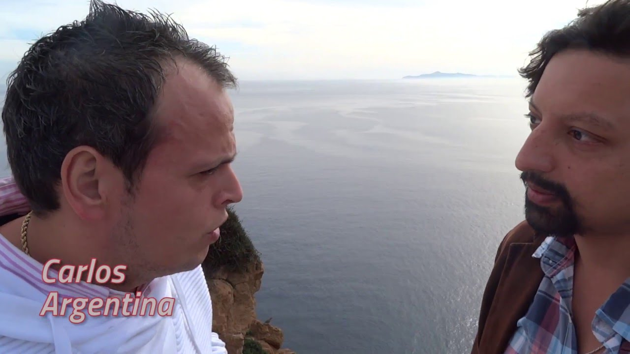 """Latinos Por El Mundo """"Grecia"""" - Carlos"""
