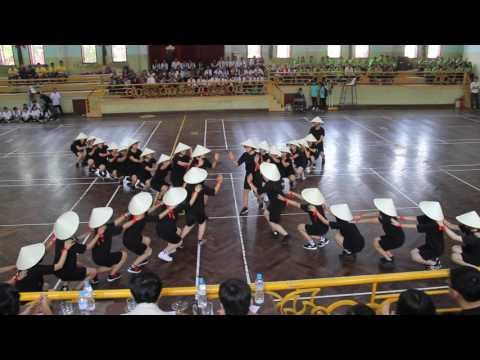 Giải nhất cuộc thi dân vũ trường THPT Chuyên Quốc Học - Huế