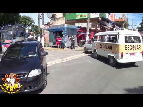 Perueiros do Transporte Escolar fecha Avenida Jk de Oliveira em Sinal de Protesto por falta de pagamento da Prefeitura de Juquitiba