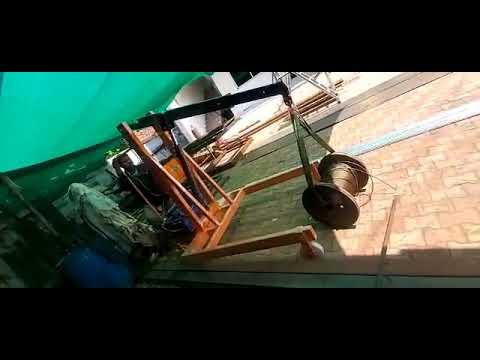 HYDRAULIC MOBILE FLOOR CRANE