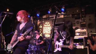 "Falling In Reverse ""I'm Not A Vampire"" (Live In The Red Bull Sound Space At KROQ)"