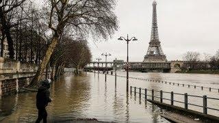 Шторм в Европе: Париж и юг Франции затопило