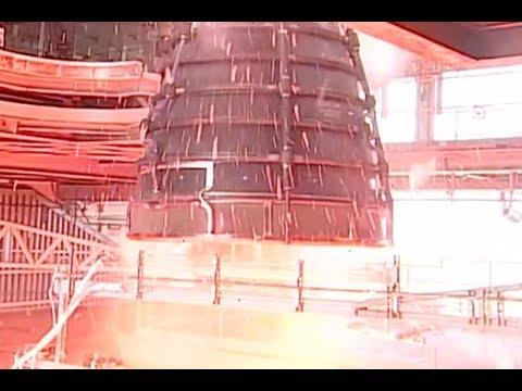 Powerful NASA SLS Rocket Engine Test-Fired in Mississippi | Video