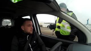 Тупой психически неуравновешенный Полицейский