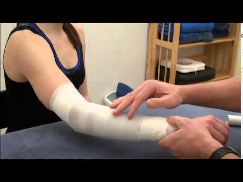 Übung in Rückenschmerzen Nacken