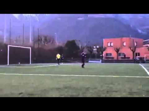 Pha đá penalty đẳng cấp nhất trong lịch sử. Quá nhọ cho đội thủ môn