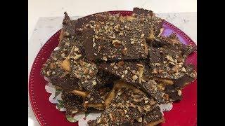 Christmas Crack Recipe. Saltine Cracker Toffee 😋😋