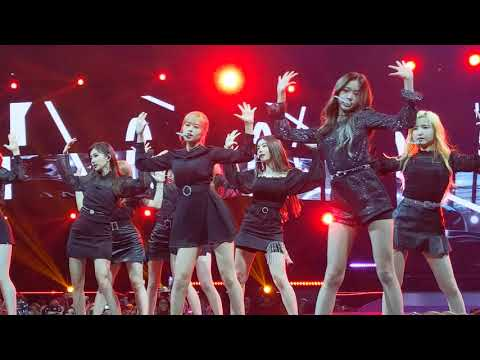 [FANCAM] 190706 IZ*ONE - Highlight + Unexpected Charms Video @ KCON NY 2019