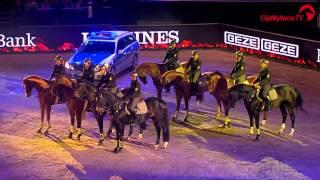 preview picture of video 'Showabend Polizeireiterstaffel Stuttgart- STUTTGART GERMAN MASTERS 2014'