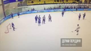 Андрей Коваленко бьет арбитра