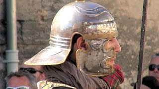 preview picture of video 'Arles - Invasion of Romans (the Arelate Festival), Provence, France [HD] (videoturysta)'