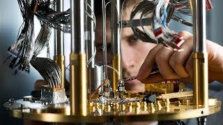 What Is a Quantum Computer? Explained with a Simple Example