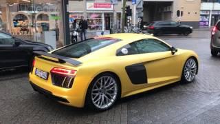 Audi R8 V10 Plus revvs