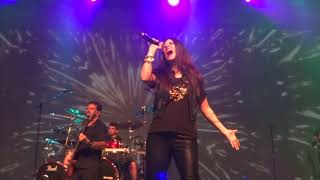 Shadowside's lead singer Dani Nolden performing Heroes of Sand with Angra (Multicam)
