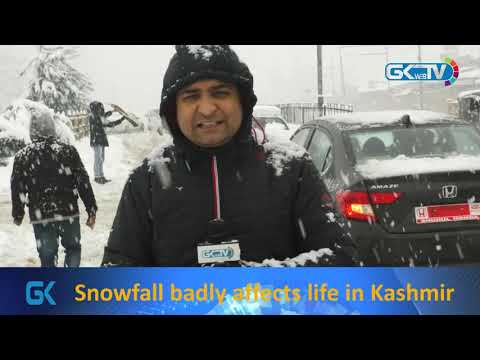 Snowfall badly affects life in Kashmir