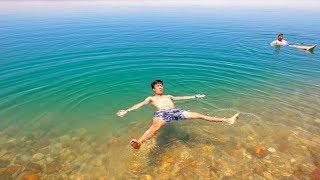 FLOATING ON THE DEAD SEA! (Jordan)