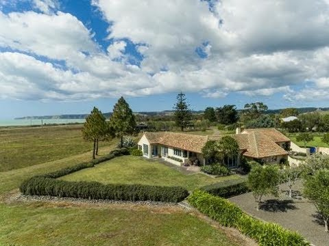 148 Clifton Road, Te Awanga