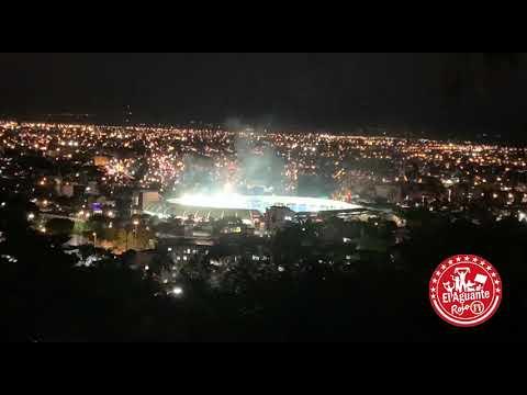 """""""Recibimiento vs Junior / NO puede entrar la hinchada? La gente responde con 5 min de pirotécnicos!"""" Barra: Frente Rojiblanco Sur • Club: Junior de Barranquilla • País: Colombia"""