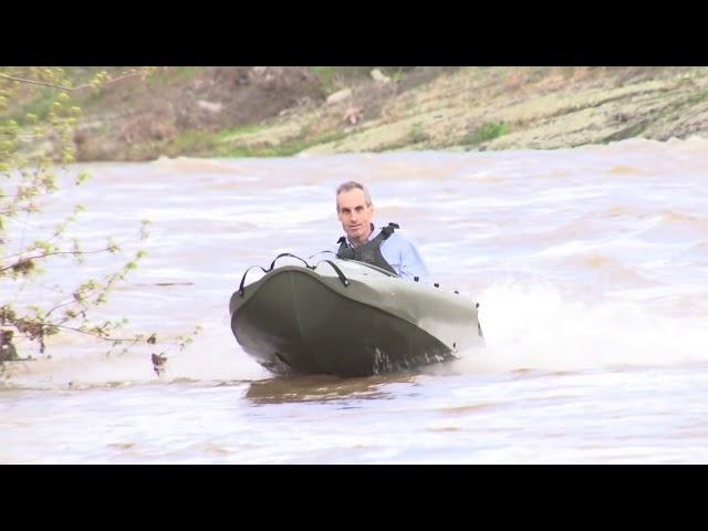 MOKAI CLASSIC - Motorized Kayak in action.