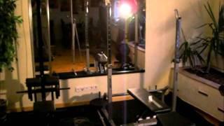 kleines privates Fitnessstudio auf 6m2 :-)