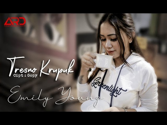 Emily Young - Tresno Krupuk (Official Music Video)