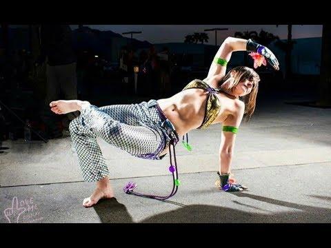 Beautiful Girls in Capoeira ! Capoeira Tribute