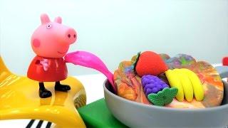 Видео для детей! ВИДЕО С ИГРУШКАМИ, как Peppa Pig и Джордж пожарили яйца с бананами 🍳 🍌! Буэ-э-э-э!