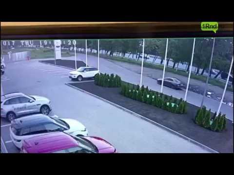 Слесарь автосалона разбил автомобиль Porshe 911 стоимостью 13 миллионов рублей