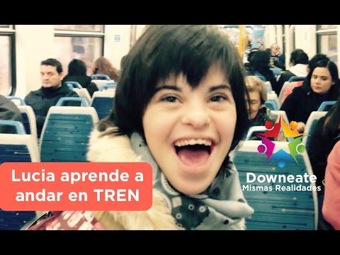 Watch videoLucía aprende a viajar en tren