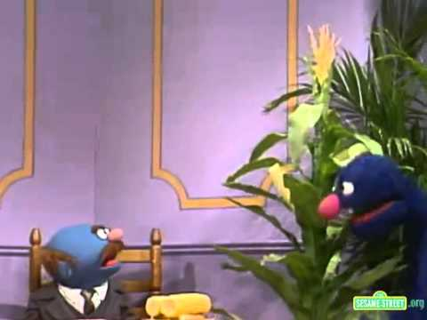 Classic Sesame Street   Grover Serves Corn And Toast