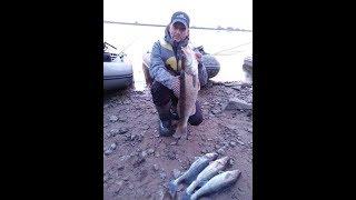 Рыбалка на речке великая