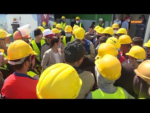 «Как нам выжить?» Строители «Абу-Даби Плаза» второй месяц не получают зарплаты