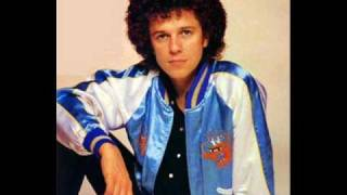 leo sayer you make me feel like dancing Music