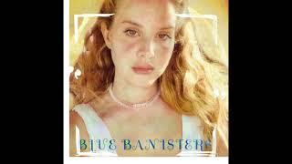 Kadr z teledysku Blue Banisters tekst piosenki Lana Del Rey