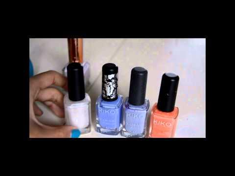 Le médecin le dermatologiste le traitement des ongles