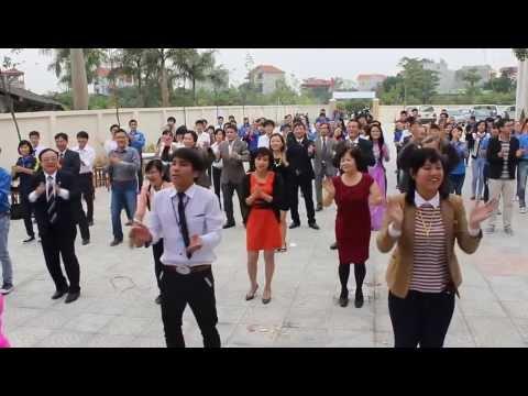 Giảng viên đại học nông nghiệp nhảy flashmob
