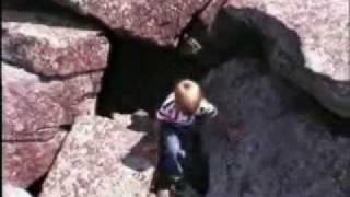 preview picture of video 'Grottes du Mont-Saint-Hilaire au Québec (en 1990)'