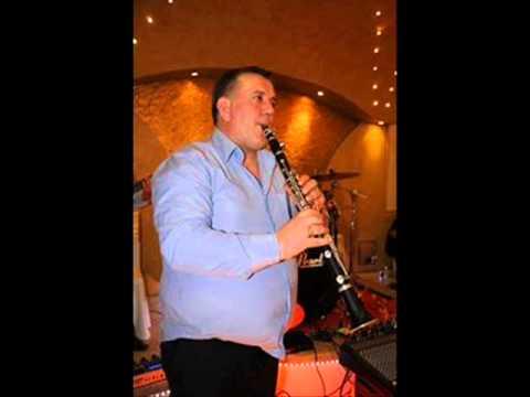 Aleks Xhelili -Valle me motive te kolonjes (live)