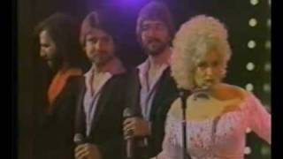 "Dolly Parton ""Do I ever cross your mind"" live"