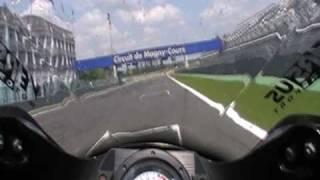 Vidéo taggi zx6r magny-cours F1 par taggi