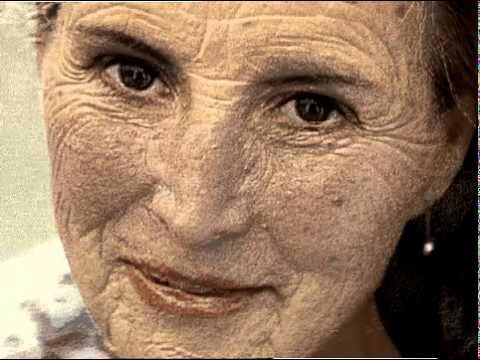 Quello che la faccia imballa ad aridità di pelle