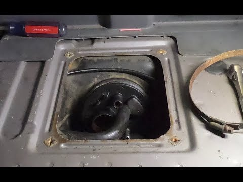 '93 Volvo 940 fuel pump sender assembly (Regina / Rex, non-turbo) - removal, installation