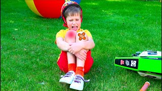 The Boo Boo Story Max and Mama | Songs for kids