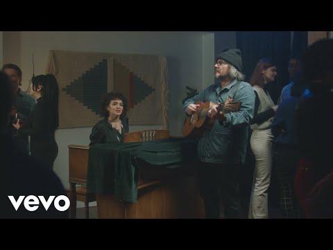 Norah Jones - I'm Alive