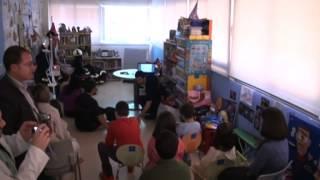 preview picture of video 'Los bomberos de Leganés visitan a los niños ingresados en el 'Severo Ochoa''