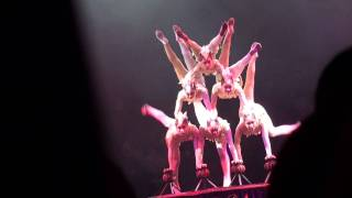preview picture of video 'chinese acrobat show 2010'