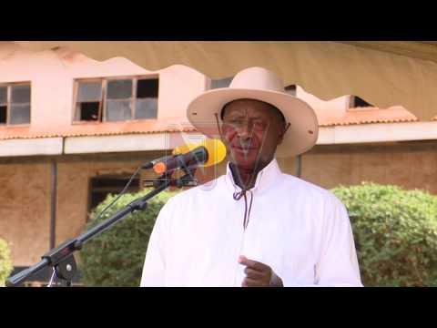 Museveni atongozza okuzimba enguudo mu Kampala
