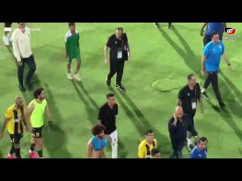 عماد النحاس يهدأ مصطفى محمد عقب مشادته مع أحد لاعبي المقاولون