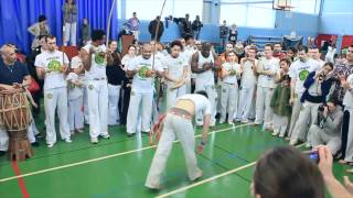 preview picture of video 'Photo et solo Batizado Capoeira Senzala 2012 (St Germain en laye)'